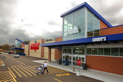 meijer garden center hours meijer reaches new contract terms with unionized employees
