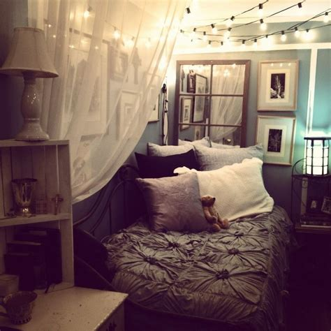 Bedroom Decor For Small Room by 1000 Ideas About Small Bedrooms Decor On