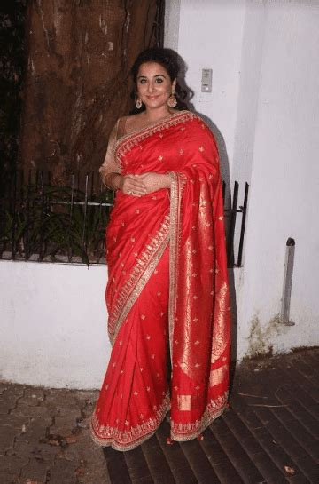 bollywood vidya balan beautiful  silk saree stills
