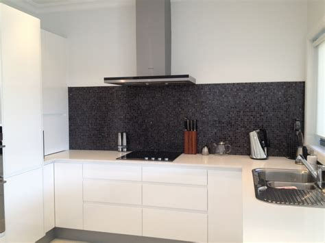 tiled benchtop kitchen 45 best kitchen splashbacks images on 2780