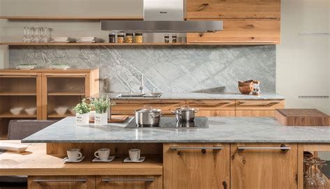 Reinigung Der Natursteinküchenarbeitsplatte