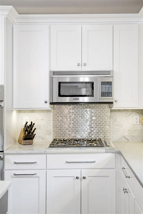 white shaker kitchen cabinets with quartz countertops transitional cabinet refacing wales pa lfi kitchens White Shaker Kitchen Cabinets With Quartz Countertops