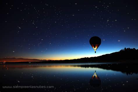 wallpaper de globos aerostaticos  siempre en las nubes