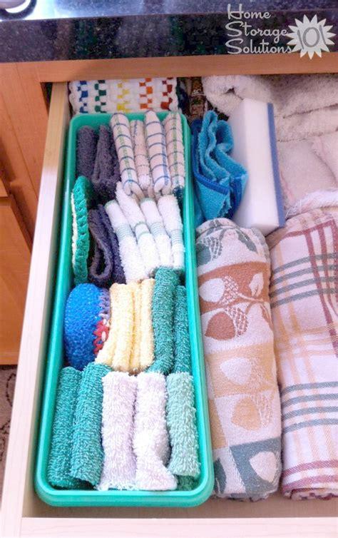 Declutter Kitchen Towels & Dish Cloths {15 Minute Mission}