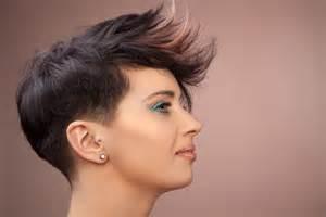 coupe de cheveux femme court dã gradã make up e capelli corti creattiva professional