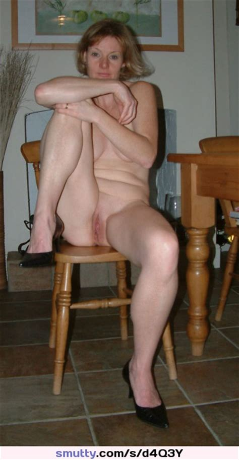 Plain Naked Lady Sexy Amateur Shaved Pussy
