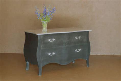 So Werten Sie Alte Möbel Auf