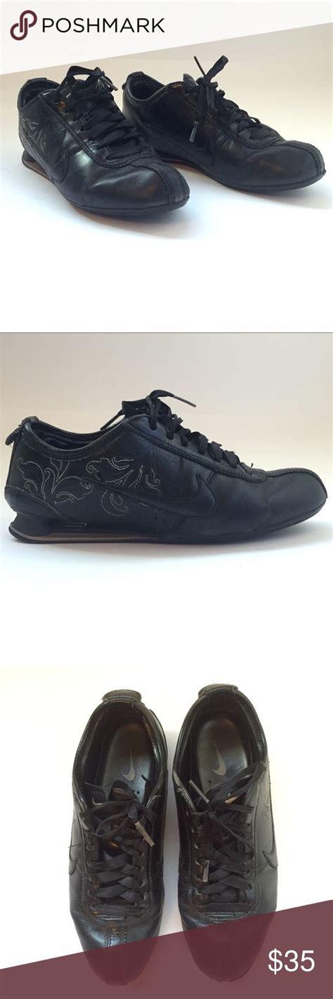 Nike ayakkabı modelleri size özel indirim fırsatlarıyla instreet.com.tr'de! Limited edition black embroidered Nike shoes | Black nike ...