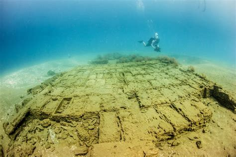 National Geographic & Discovery Rare Shipwreck Discovered