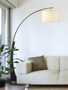 Stehlampe Für Wohnzimmer : die bogenlampe passt zu fast jedem interieur ~ Frokenaadalensverden.com Haus und Dekorationen