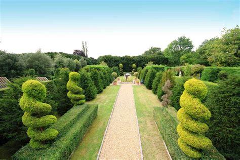 jasa pembuatan taman lanscape taman vertical