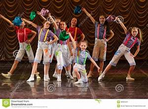 Children Dancing On Stage Editorial Photo - Image: 36925341