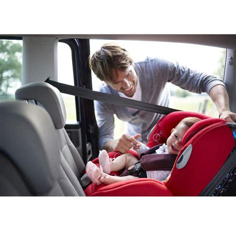 installer un siege auto bebe confort 20 sièges auto pour des vacances avec bébé en toute