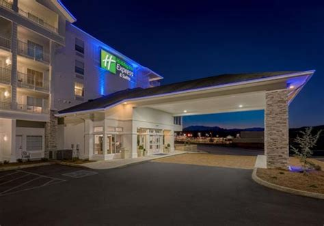 holiday inn express suites sevierville tn