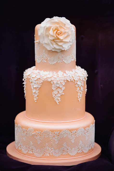 lace cakes     weddingelation