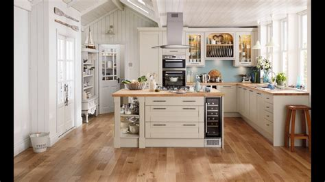 tewkesbury stone traditional kitchen  howdens