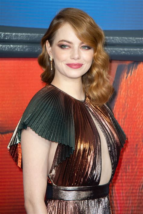 """Emily jean emma stone was born in scottsdale, arizona, to krista (yeager), a homemaker, and jeffrey charles stone, a contracting company founder and ceo. Emma Stone - """"Maniac"""" Premiere in New York 09/20/2018 • CelebMafia"""