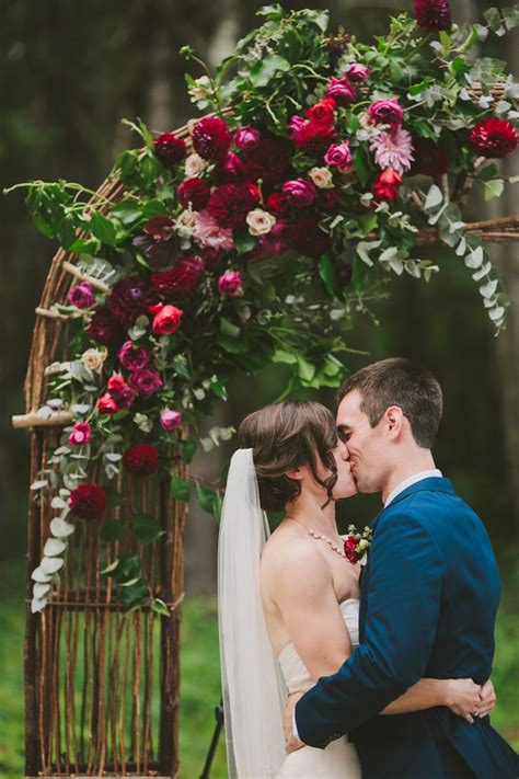 25 Best Ideas About Burgundy Wedding Flowers On Pinterest