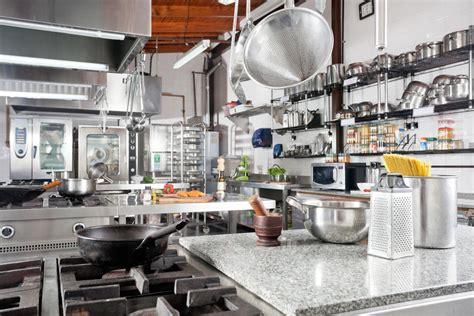 materiel cuisine professionel cuisine professionnel le matériel indispensable le