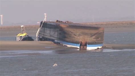 Schip Westerschelde by Een Van Twee Vermisten Gered Uit Gekapseisde Schip