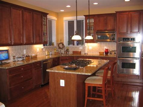 pics of country kitchens new venetian gold granite with cherry cabinets venetian 4176
