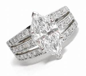 Marquise cut diamond engagement rings fashion trends for Marquise diamond wedding rings