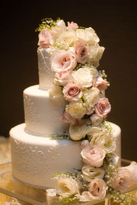 Cocoa And Fig Traditional Wedding Cake With Cascading