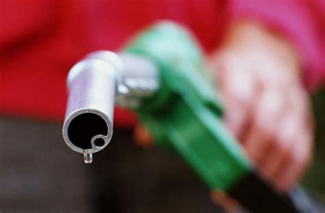 Как сделать топливо для дизельного и бензинового двигателя в домашних условиях?
