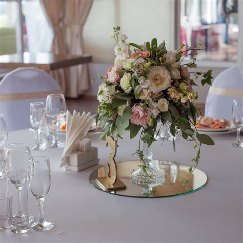 mirror acrylic wedding centerpiece stand manufacturers suppliers customized mirror acrylic