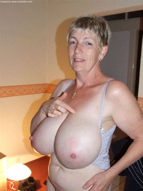 Hax In Gallery Hot Busty Granny