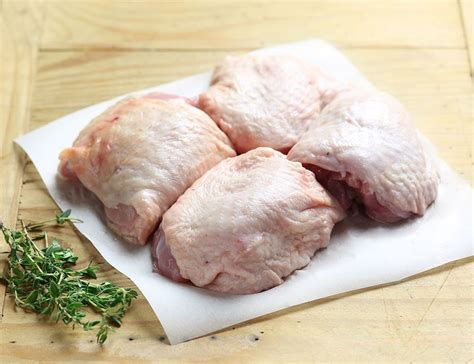 chicken thighs chicken thighs boneless organic 550g avg pack of 4 abel cole