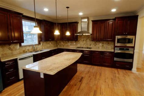 small movable kitchen island brown kitchen cabinets pacifica door style kitchen cabinet traditional kitchen