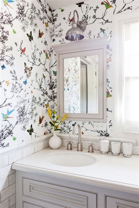 Cómo decorar un baño con encanto