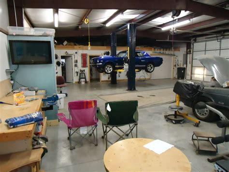 Garage For Man's Paradise