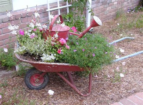 wheelbarrow planter ideas wheelbarrow planter ideas woodworking projects plans