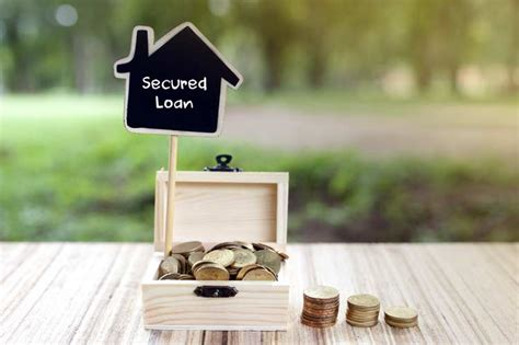 difference  secured  unsecured loans