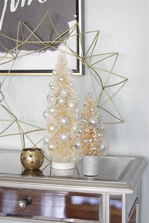 decorating console table  christmas photograph  cr