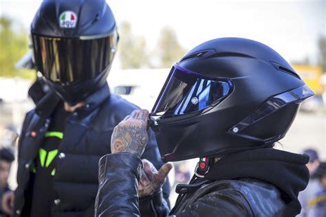 Motorcycle Gear : The 10 Best Motorcycle Helmets Of 2017