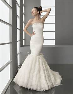 strapless drop waist mermaid wedding dress with feather With feather mermaid wedding dress