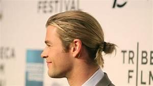 Queu De Cheval Homme : comment attacher ses cheveux mi long homme coiffures la mode de cette saison ~ Melissatoandfro.com Idées de Décoration