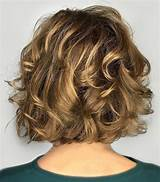 Curly Hairstyles For Women With Short Necks Wavy Haircut
