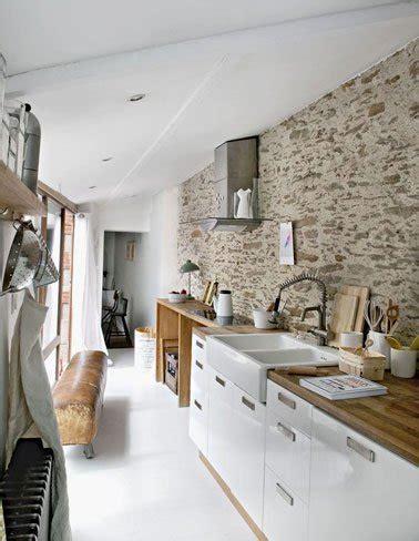 mur de cuisine un mur en brique c 39 est stylé en déco de cuisine