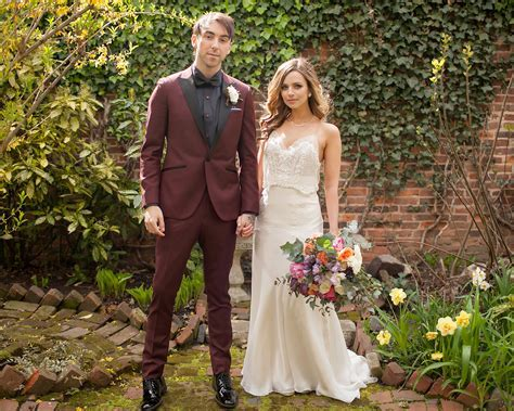 All Time Low's Alex Gaskarth Marries High School Love: Pics
