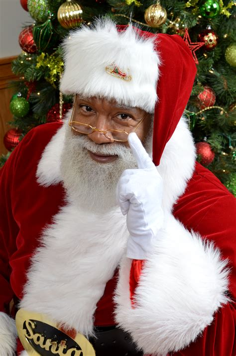 mall  america black santa visitors nice trolls naughty