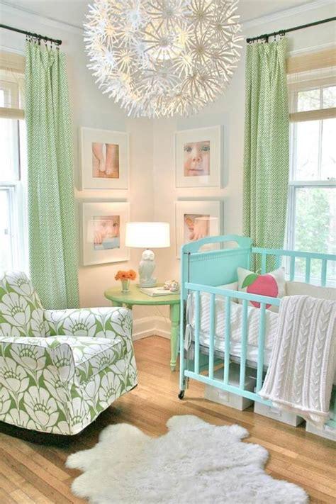 motif chambre fille chambre bébé fille en nuances de vert inspirantes