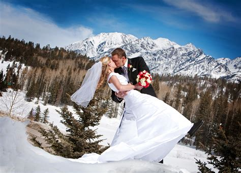 Winter Wedding In Southwest Colorado Colorado Weddings
