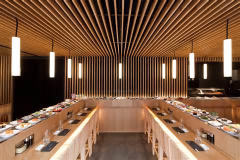 cadre cuisine restaurant japonais le comptoir tournant de matsuri fait tourner la tête de plaisir