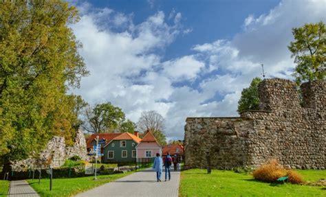 Valmieras vecpilsēta   Latvia Travel