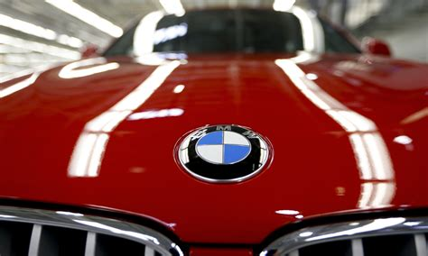 Bmw Plans To Stop Its Uk Staff From Paying Into Its Two
