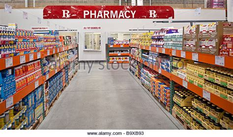 costco warehouse shopping costco stock photos costco stock images alamy